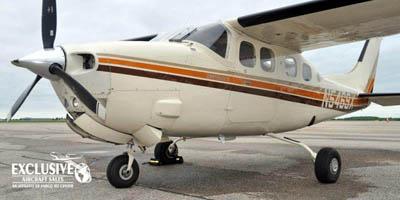 Cessna 210 Press.