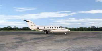 Hawker 400